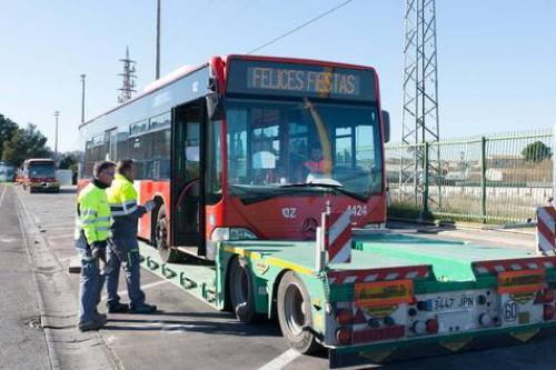 El Ayto. de Zaragoza dona tres autobuses a Senegal para el transporte de estudiantes